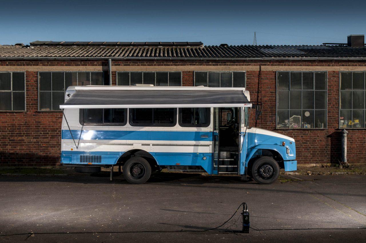 freightliner us bus blau kurz eventmobile online k ln tel 0176 636 193 41. Black Bedroom Furniture Sets. Home Design Ideas