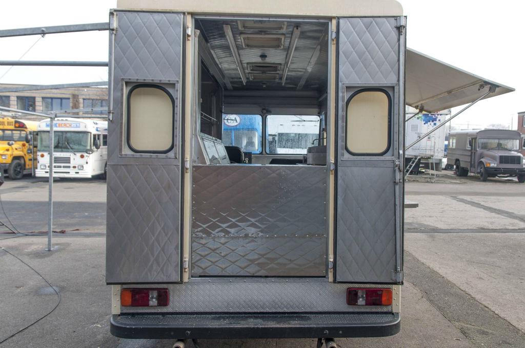 stepvan koeln foodtruck catering step van rheinland ruhrgebiet bonn duesseldorf 008. Black Bedroom Furniture Sets. Home Design Ideas