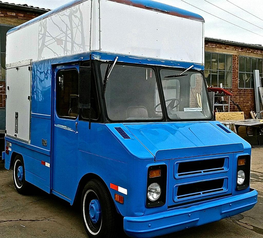 mini foodtruck pino eventmobile online k ln. Black Bedroom Furniture Sets. Home Design Ideas